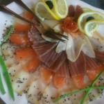 Тарелка рыбная «Купеческая» (сёмга, осетрина, масляная, тунец, подаётся сёмушкиной икрой)