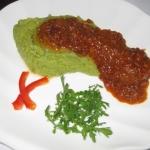 Картофельно-шпинатное пюре с рублеными котлетками из азовского бычка