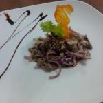 Салат острый с куриными желудочками